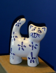 Pottery sculpture - cat